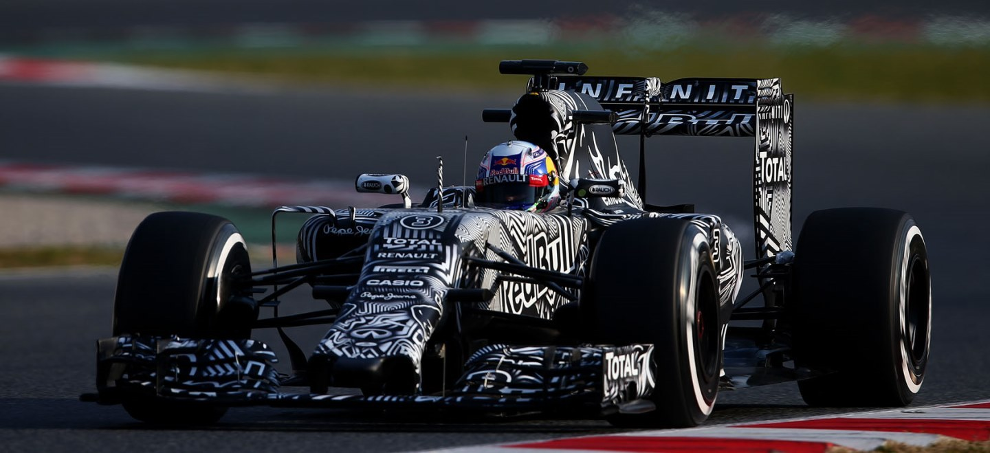 MONTMELO, SPAIN - FEBRUARY 19: Daniel Ricciardo of Australia and Infiniti Red Bull Racing drives during day one of Formula One Winter Testing at Circuit de Catalunya on February 19, 2015 in Montmelo, Spain. (Photo by Dan Istitene/Getty Images) // Getty Images/Red Bull Content Pool // P-20150219-00258 // Usage for editorial use only // Please go to www.redbullcontentpool.com for further information. //