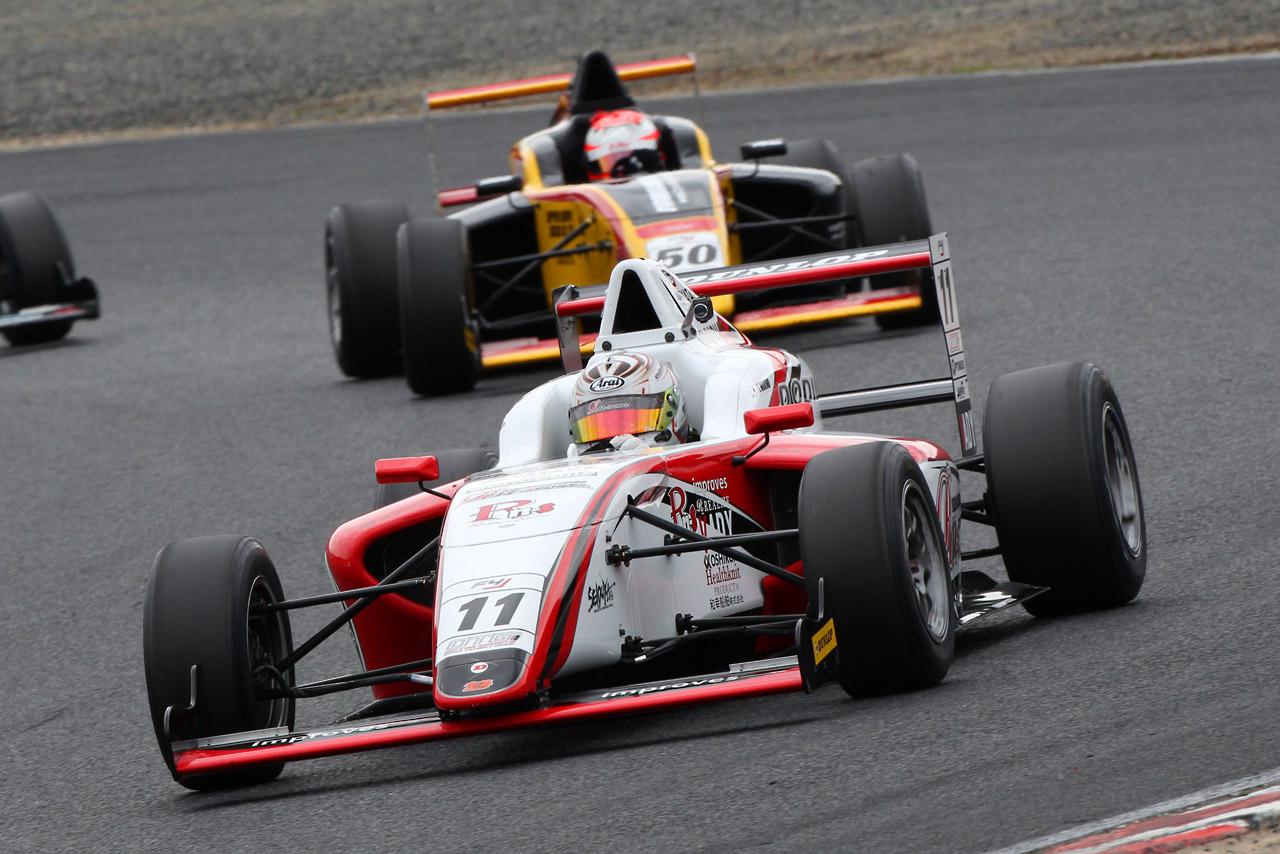Tadasuke Makino F4 Japón Okayama 2015