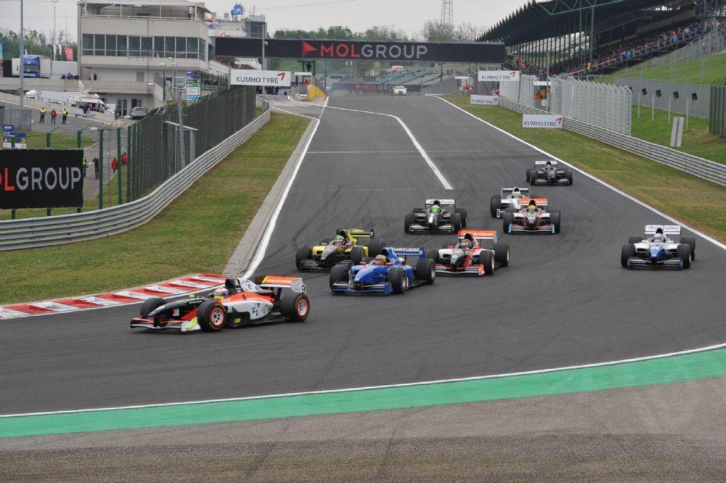 Salida Hungaroring Auto GP 2015