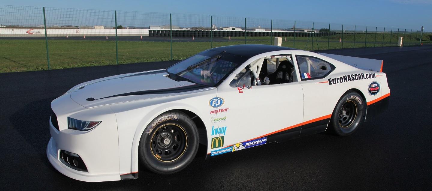 NASCAR-Euro-whelen-ford-mustang-2016
