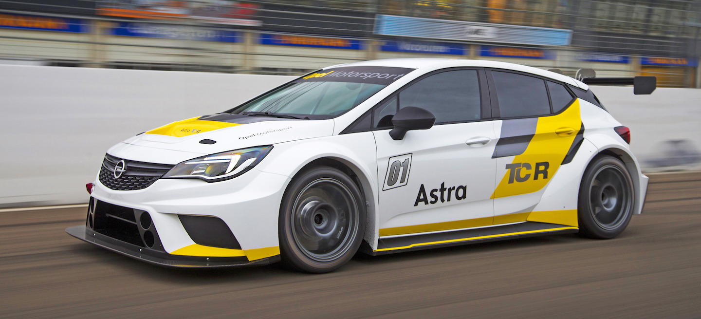 Opel Astra TCR test 2016
