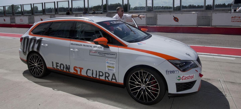 SEAT León Cupra ST TCS