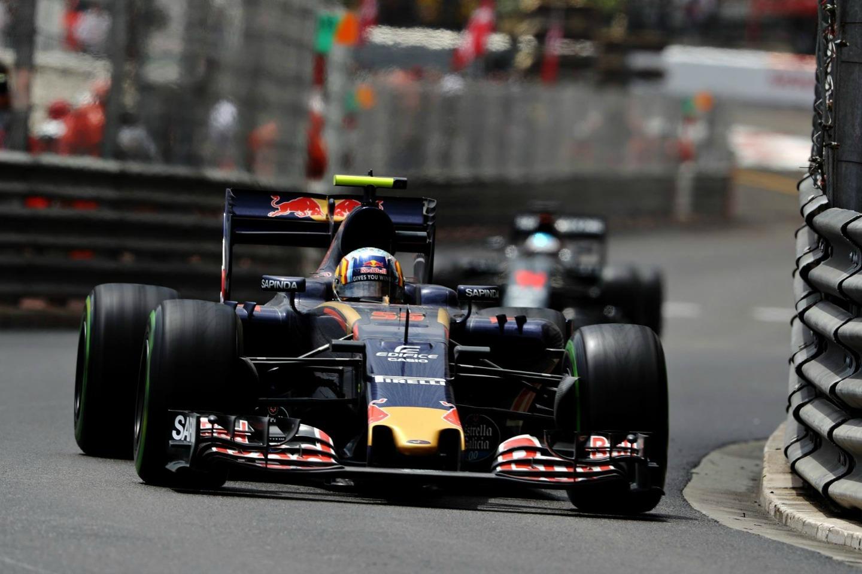 Carlos Sainz Monaco 2016 p8