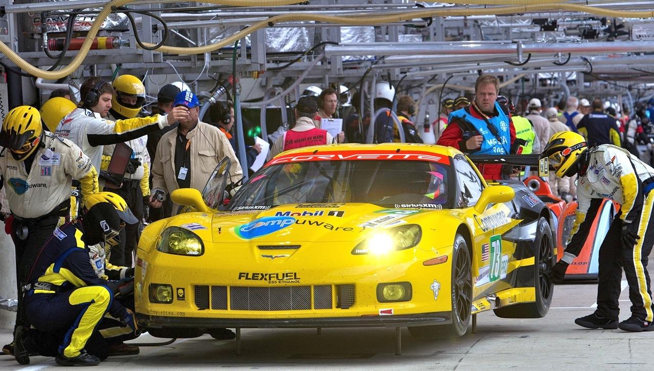 Corvette Le Mans 2011 Boxes