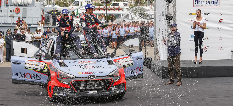 Neuville podio Italia