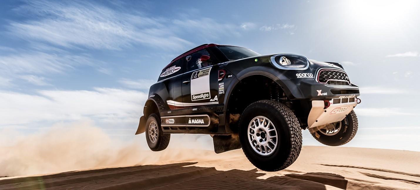 mini se despide del all4 racing y estrenar en el dakar 2017 el jcw rally competici n. Black Bedroom Furniture Sets. Home Design Ideas