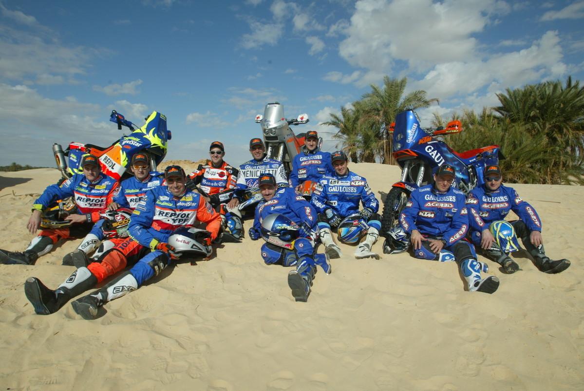 123176_Team-Factory_-Dakar-2003.jpg