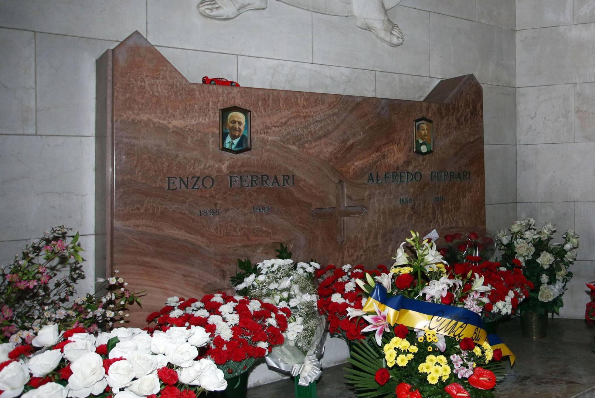 Tumba Enzo Ferrari