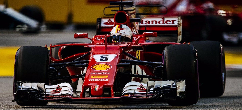 Vettel pole Singapur 2017