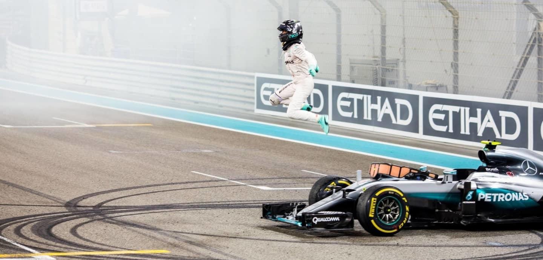 Nico Rosberg 2016 GP Abu Dhabi Salto