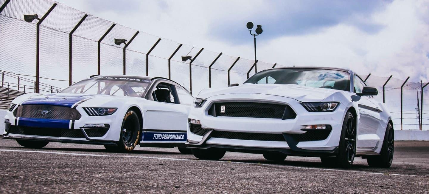 ford-performance-nascar-mustang-2019