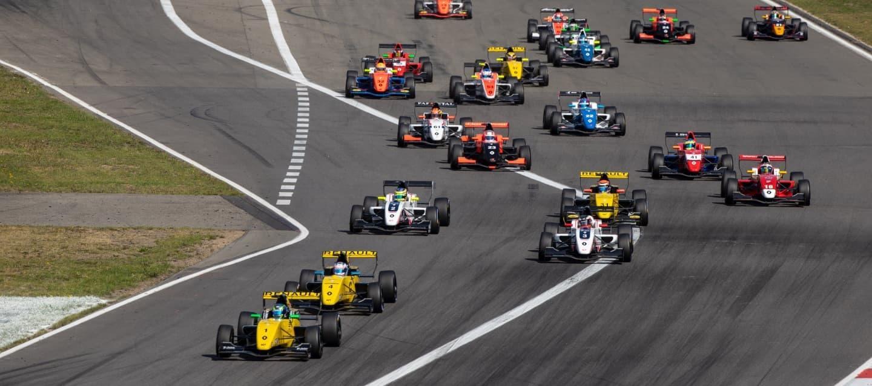 fr20nurburgring2018salida