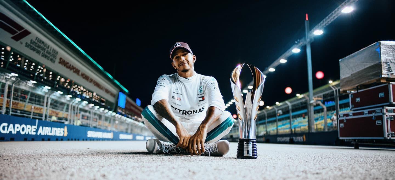 Hamilton victoria celebracion Singapur 2018