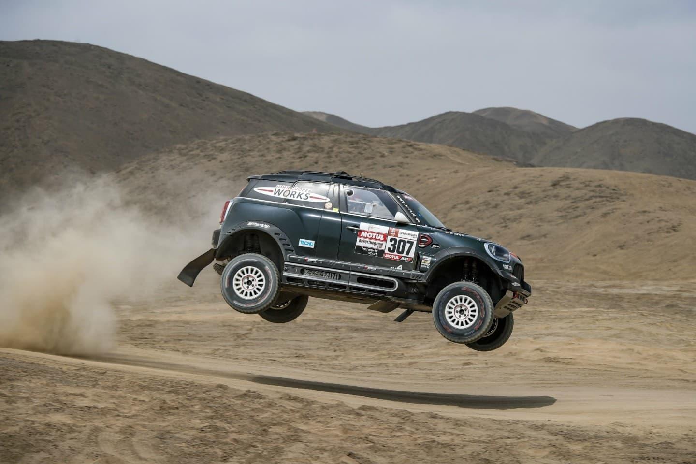 mini-jcw-buggy-vs-rally-dakar-2019-5