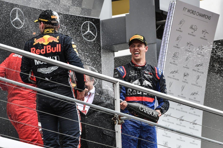 max-verstappen-sebastian-vettel-daniil-kvyat-f1-podio-alemania-2019
