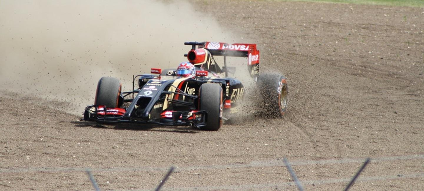 romain_grosjean_lotus_e22_14_19
