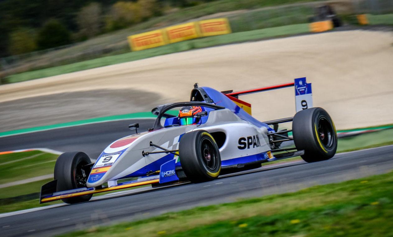 belen-garcia-motorsport-games-1