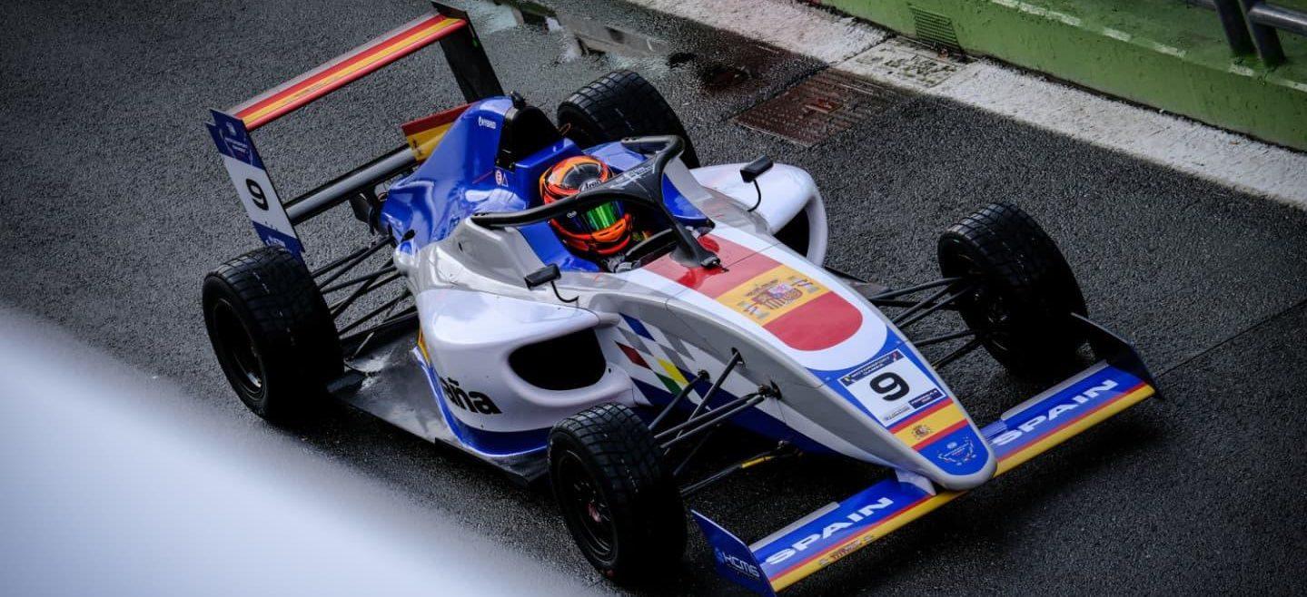 belen-garcia-motorsport-games-2