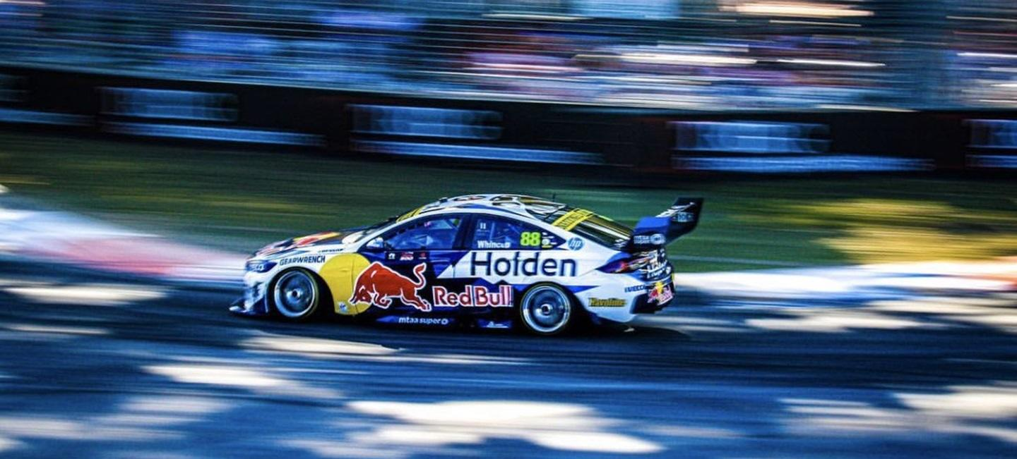red_bull_holden_racing_20_20