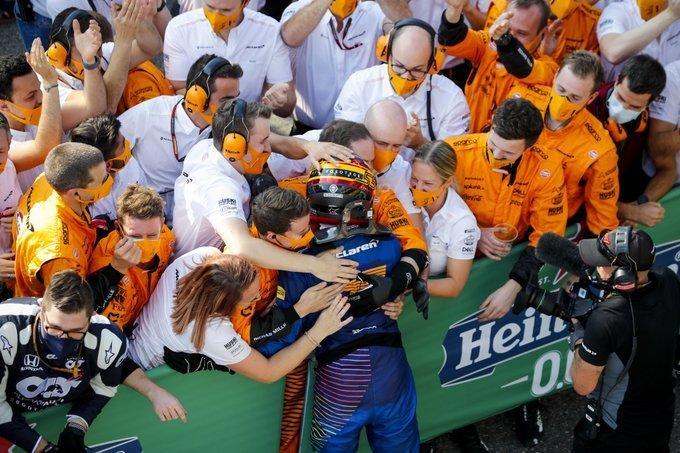 carlos-sainz-podio-f1-italia-2020