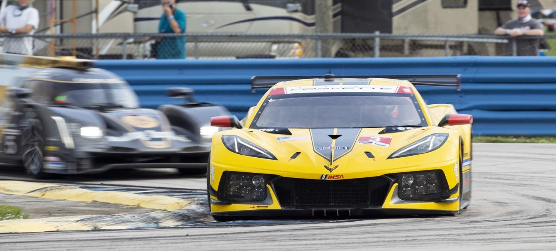 corvette_racing_cadillac_imsa_2020_21