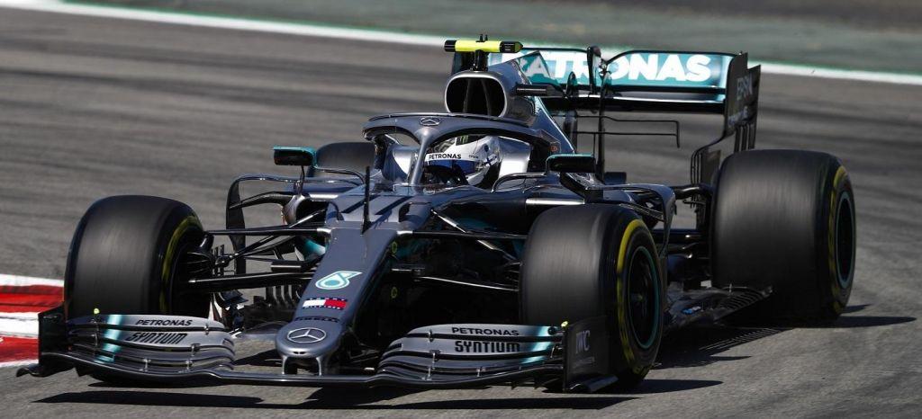 En Competición: Valtteri Bottas vuelve a asombrar con otra Pole Position por delante de Lewis Hamilton