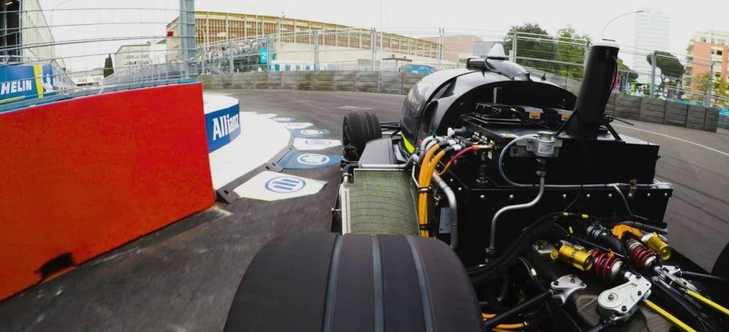 En Competición: Piloto profesional vs Coche Autónomo: el ROBOCAR se enfrenta a su primer gran reto [Vídeo]