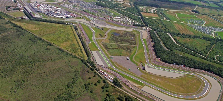 Circuito Holanda : Renault megane racecar en el circuito assen drente holanda los