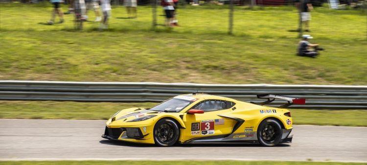 antonio_garcia-jordan_taylor_corvette_racing_limerock_2021_21