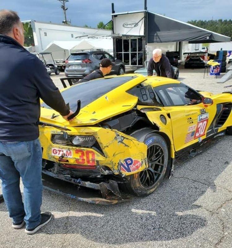 chevrolet_corvette_c7-r_gte-wec-imsa-crash