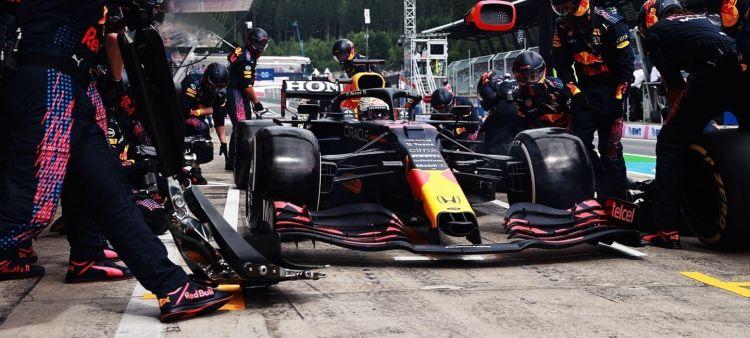 red_bull_racing_box_austria_mv_2021-21