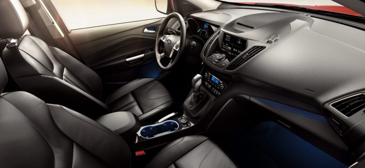 Ford2015_IAA_Kuga_interior_009 (Custom)