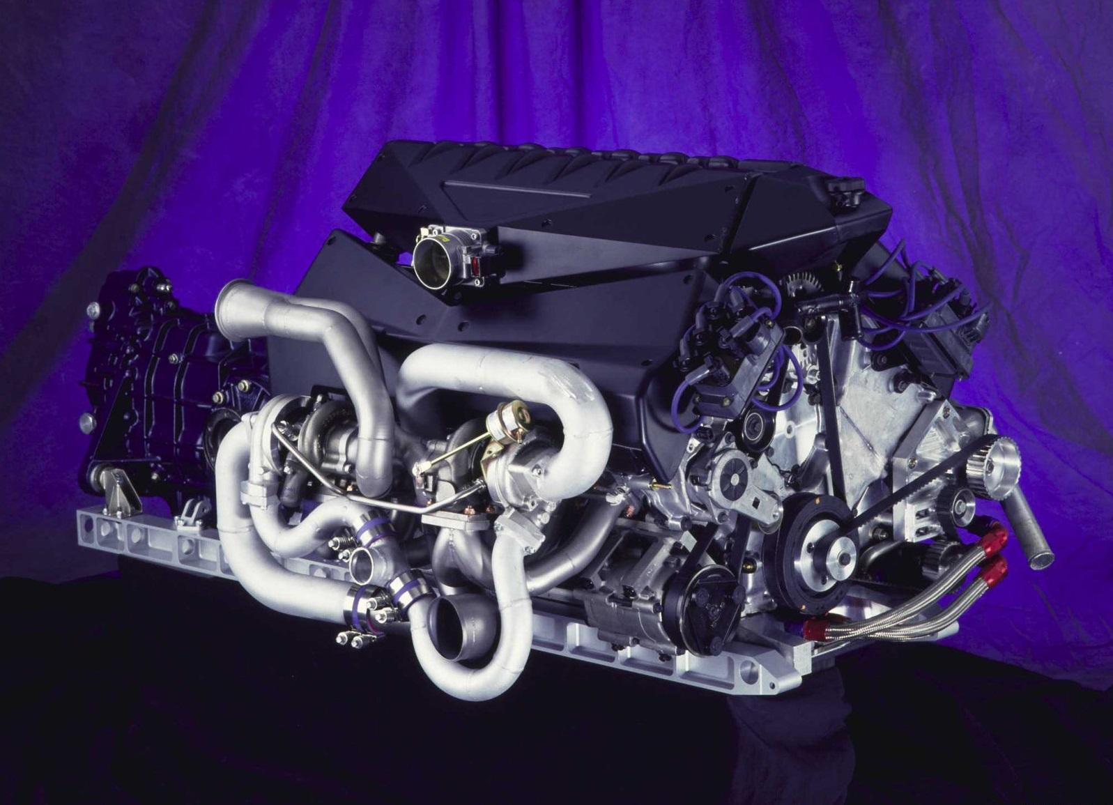 1995-Ford-GT90-Concept_motor.jpg