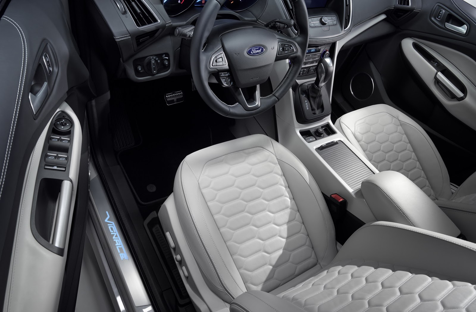 5 detalles que no conoc as del ford kuga vignale espacio. Black Bedroom Furniture Sets. Home Design Ideas