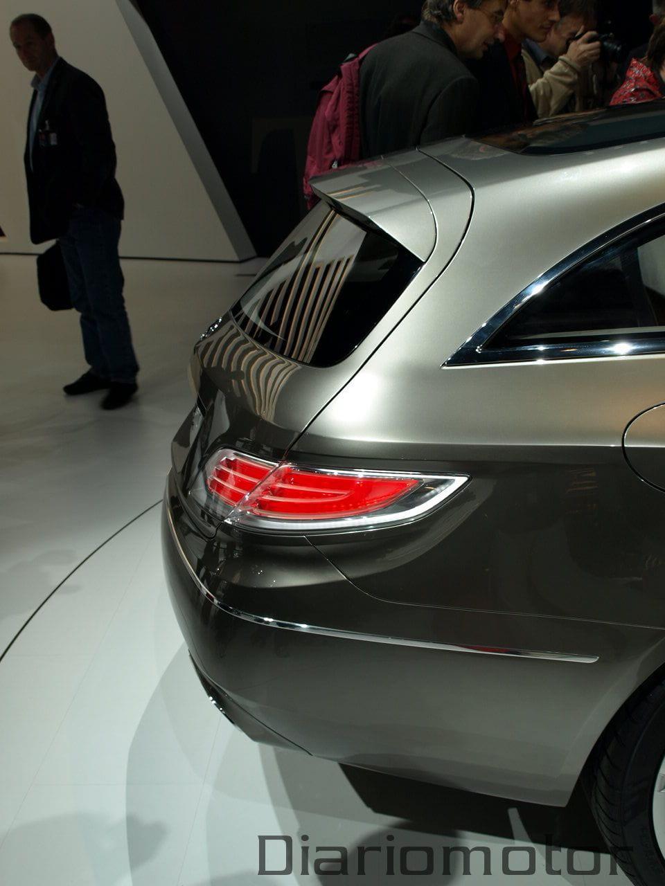 Mercedes conceptfascination en par s 2008 foto 14 de 21 for Garage mercedes paris 11