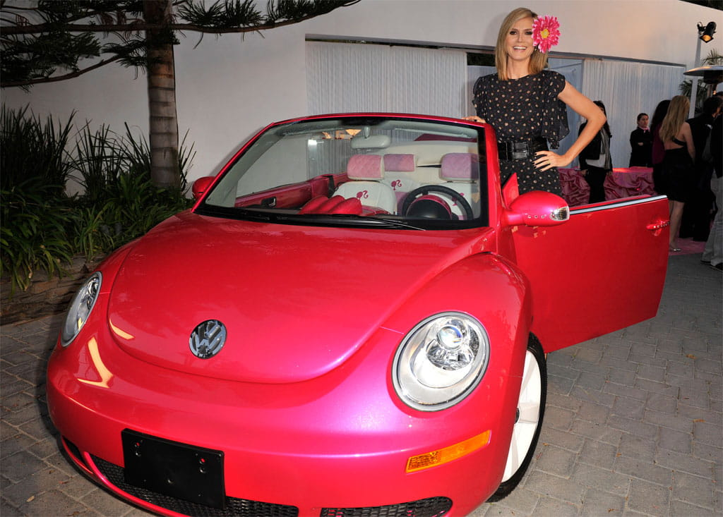 volkswagen new beetle cabrio al estilo de barbie diariomotor. Black Bedroom Furniture Sets. Home Design Ideas