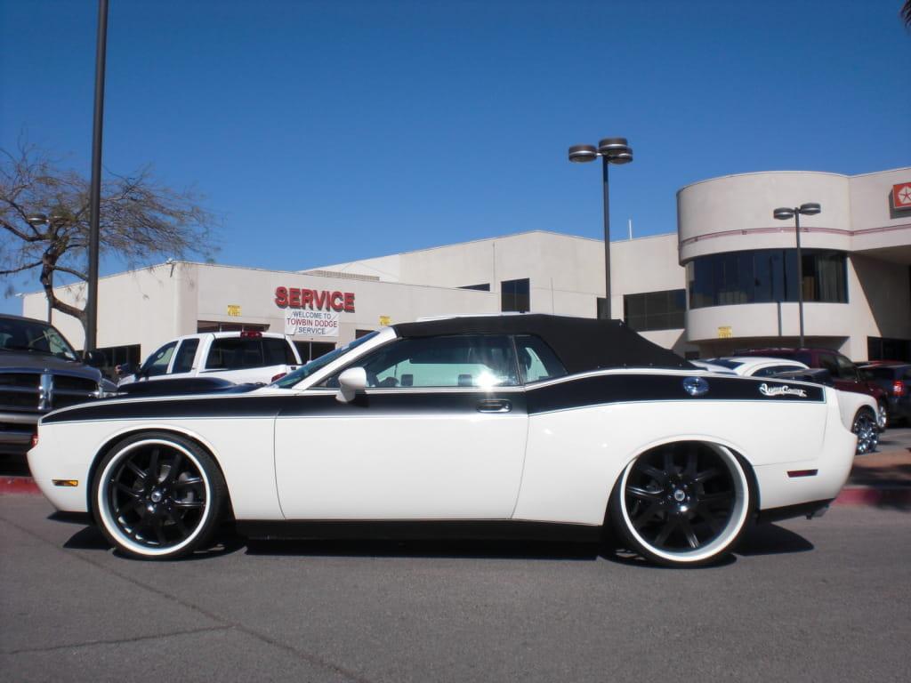 Galería de fotos : Dodge Challenger R/T White Body