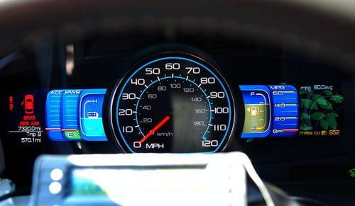 El Ford Fusion Hybrid logra 2.325 km con un solo tanque