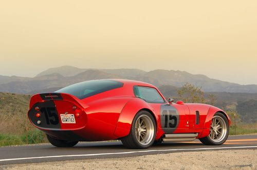 Shelby Cobra Daytona Coupe LeMans Edition, potencia pura cortesía de Exotic Auto Restoration