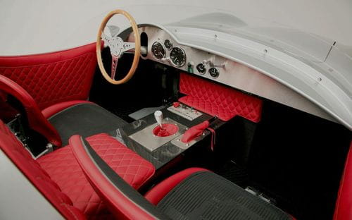 Rizk Automobile revive el Aston Martin DBR2