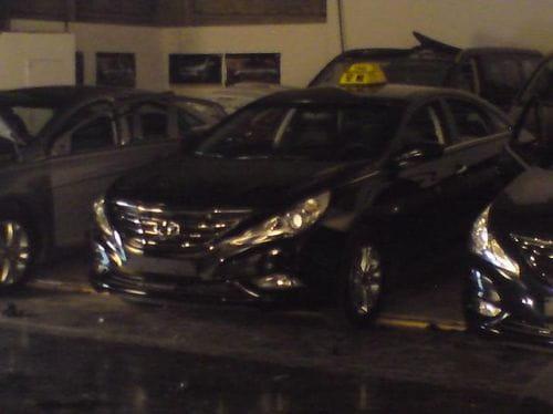 Hyundai Sonata, cazado al descubierto