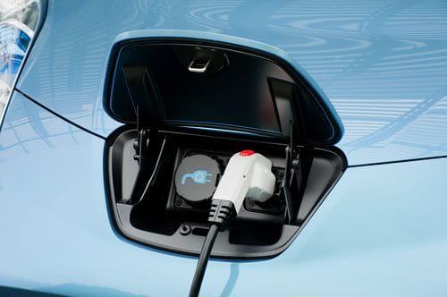 Nissan LEAF EV, el compacto eléctrico asequible