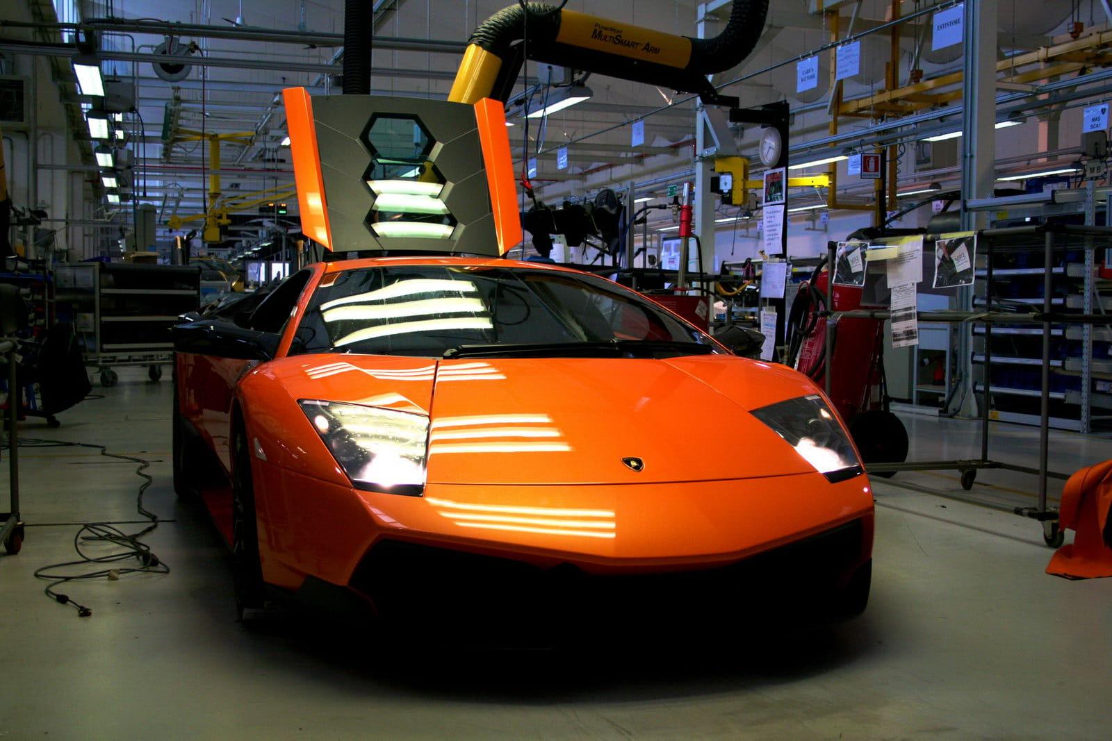 Video Del Proceso De Construccion Del Lamborghini Murcielago Lp670 4 Sv Diariomotor