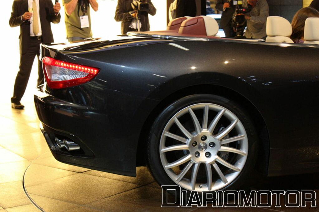 Galería Maserati GranCabrio, elegancia italiana en Frankfurt 2009