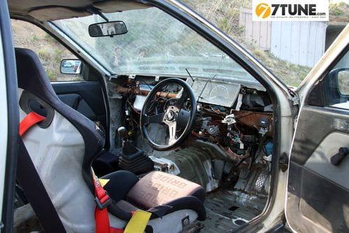 Kasso Club Toyota AE86, orgullosamente machacado