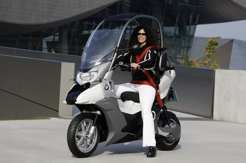 BMW C1 E Concept, la vuelta de la moto urbana con techo