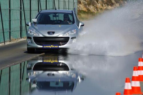La DGT empezará a multar a aquellos con neumáticos en mal estado