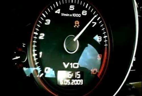 Audi R8 V10 vs Corvette ZR1 - Top Gear