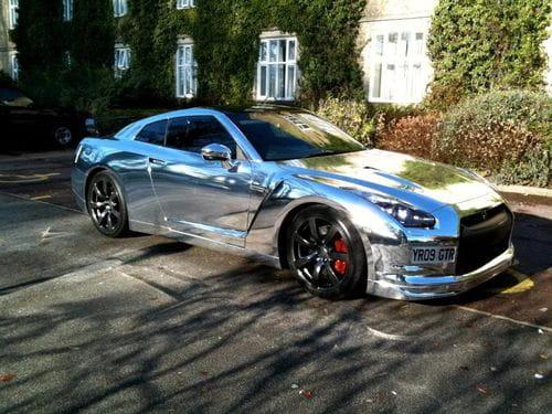 Nissan GT-R cromado