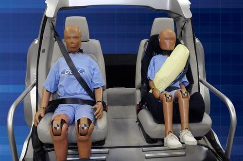 Ford presenta un cinturón de seguridad con airbag incorporado